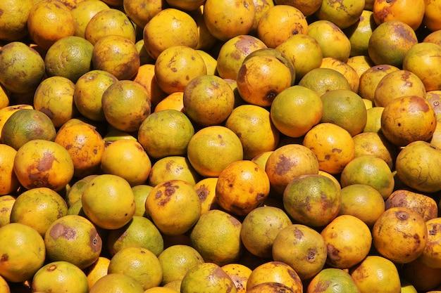 Früchte auf dem lokalen markt in afrika, moshi