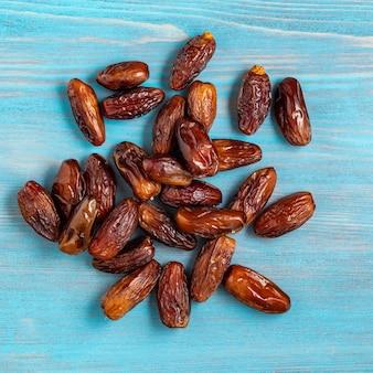 Früchte der dattelpalme, trockenfrüchte. traditionelles essen aus dem mittleren