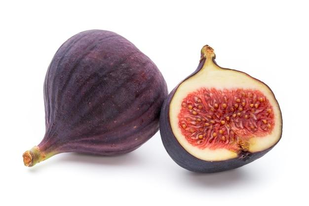 Früchte feigen isoliert auf weiß