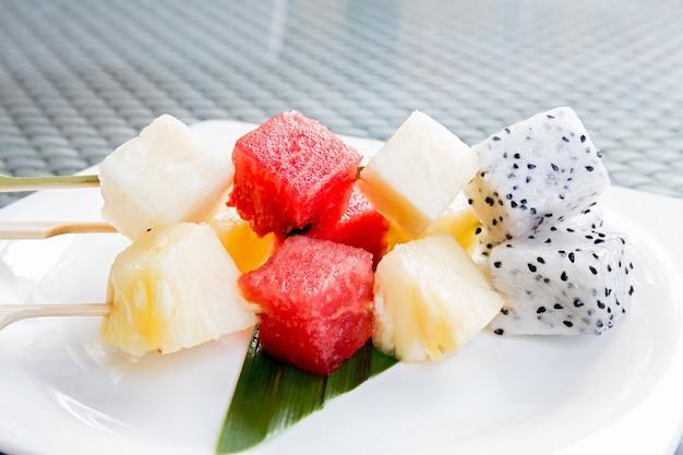 Früchte kleben
