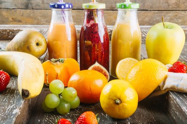 Früchte um smoothie