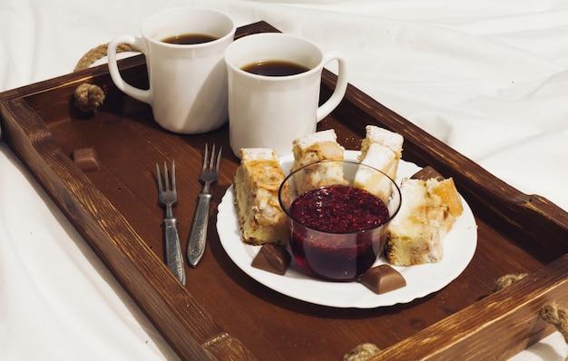 Frühstück im bett
