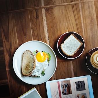 Frühstücks-lebensmittel-köstliches lebensmittel-und getränk-qualitäts-konzept