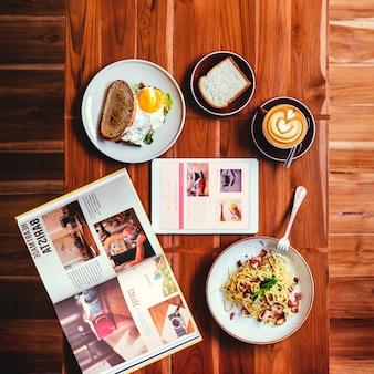Frühstücks-lebensmittel-köstliches lebensmittel-und getränkekonzept
