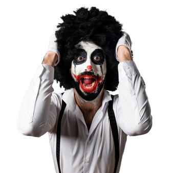 Frustrierter mörder-clown