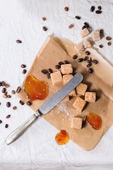 Fudge und kaffeebohnen