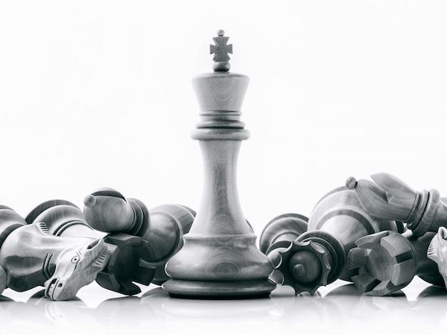 Führer- und teamwork-konzept. schachkonzept rette den könig und rette die strategie.