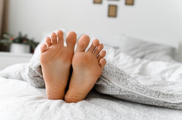 Junge lesbische Füße Anbetung