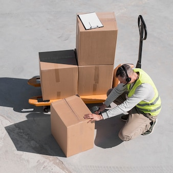 Full-shot-mann-scan-box