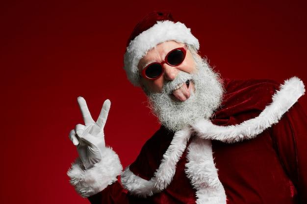 Funky santa auf rot