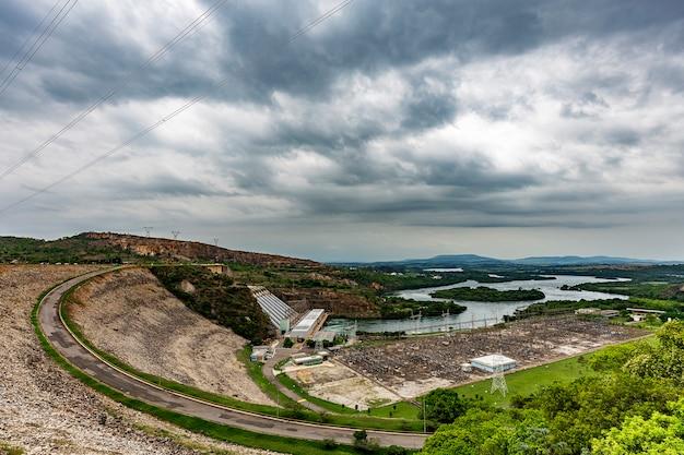 Furnas wasserkraftwerk in rio grande, bundesstaat minas gerais, brasilien, aka the minas sea