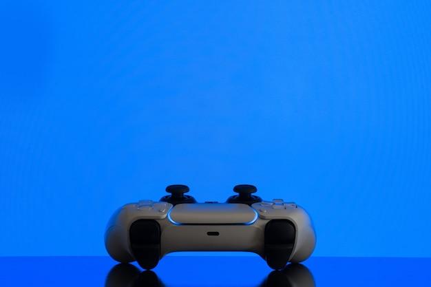 Gamecontroller der nächsten generation isoliert
