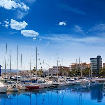 Gandia nautico marina boote in mediterranem spanien