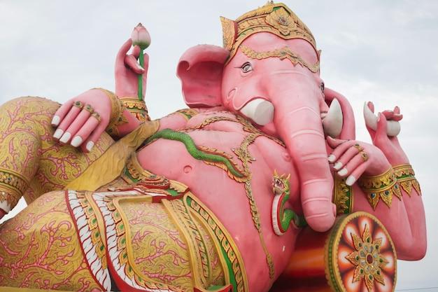 Ganesh-statue in thailand-tempel