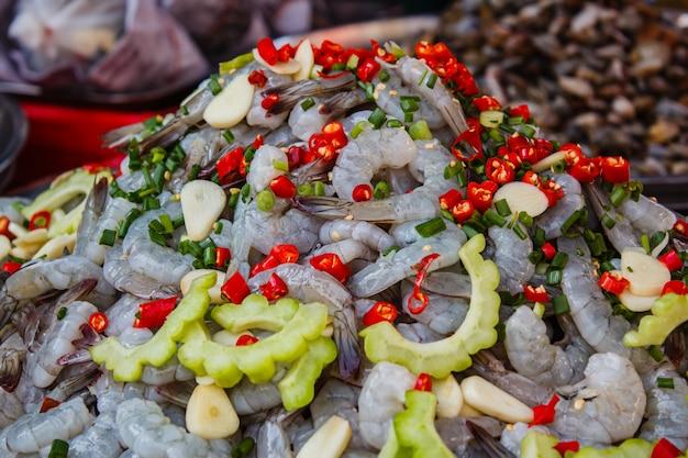 Garnelen in fischsauce am markt street food.