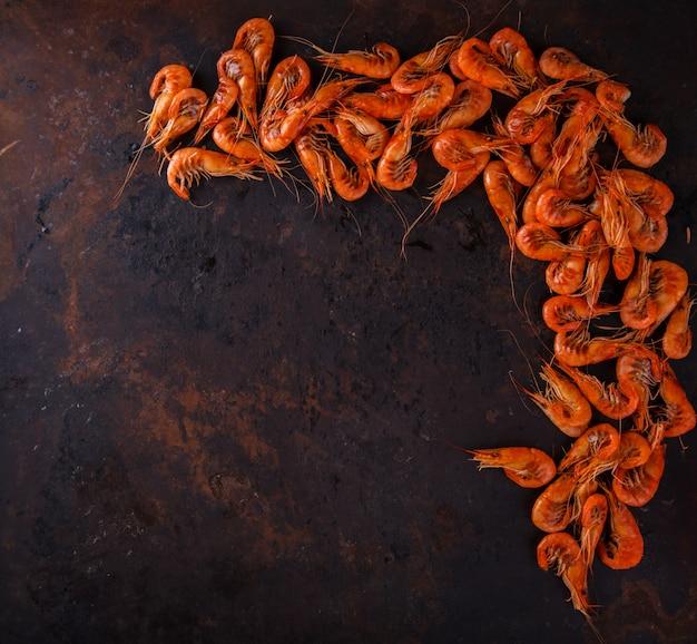 Garnelengarnele gekocht. krebstiere und meeresfrüchte. sommerfest essen
