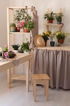 Gartenkonzept mit schönem arrangement