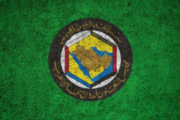 Gcc-flagge auf grunge-wand gemalt