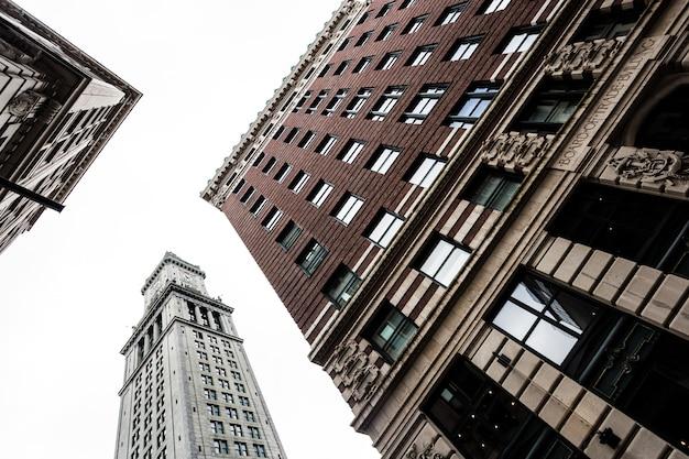 Gebäude aus dem boden