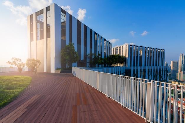 Gebäude mit moderner architektur
