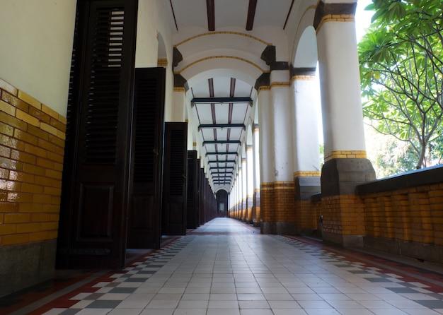 Gebäude und architektur, das ziel von lawang sewu, semarang, indonesien