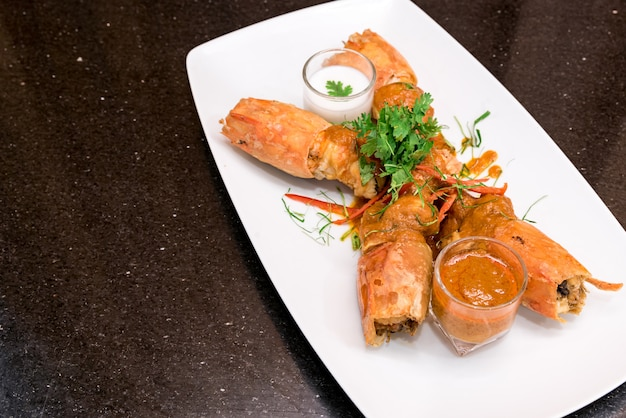 Gebratene tiger river prawn rote currypaste chu chee kung