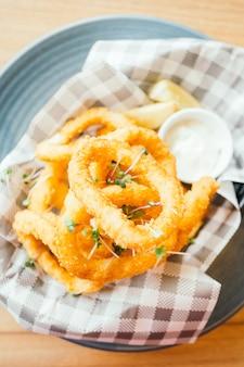 Gebratener calamari-ring