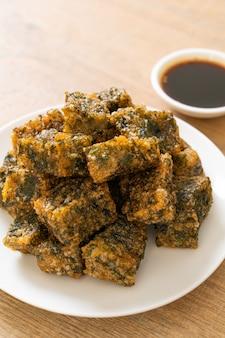 Gebratener chinesischer schnittlauchknödelkuchen