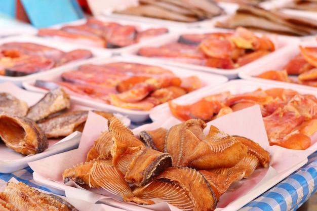 Gebratener fisch am straßenessen