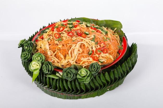 Gebratener reis vermicilli nudeln. thai essen