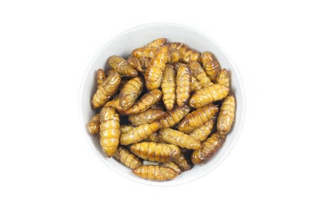 Gebratener seidenwurm ist das essen in thai.