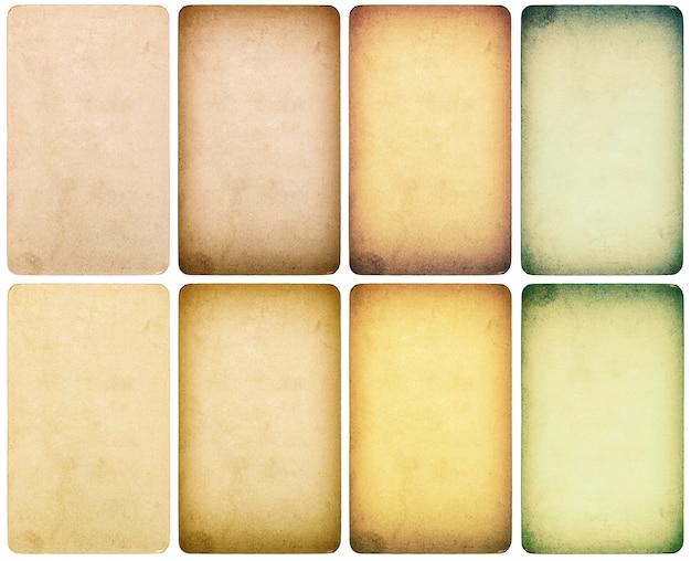 Gebrauchter papierkarton mit kanten auf weißem hintergrund. getönte textur im instagram-stil