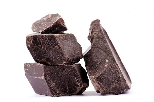 Gebrochene schokoladenstücke