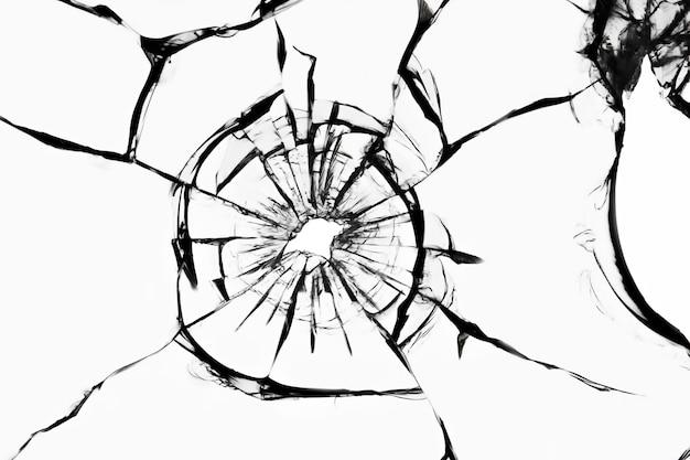 Gebrochenes glas auf einer weißen oberfläche