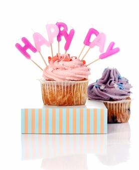Geburtstag cupcakes mit colorul latters
