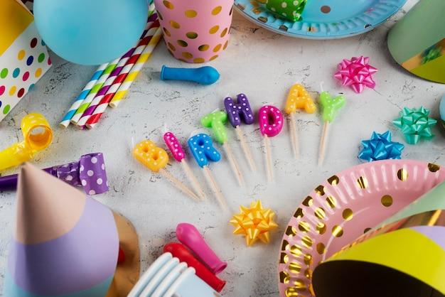 Geburtstagsfeier-konzept mit hohem winkel Premium Fotos