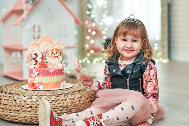 Geburtstagstorte für 3 jahre mit schmetterlingen verziert