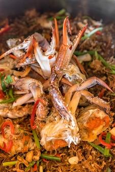 Gedämpfte krabben fadennudeln