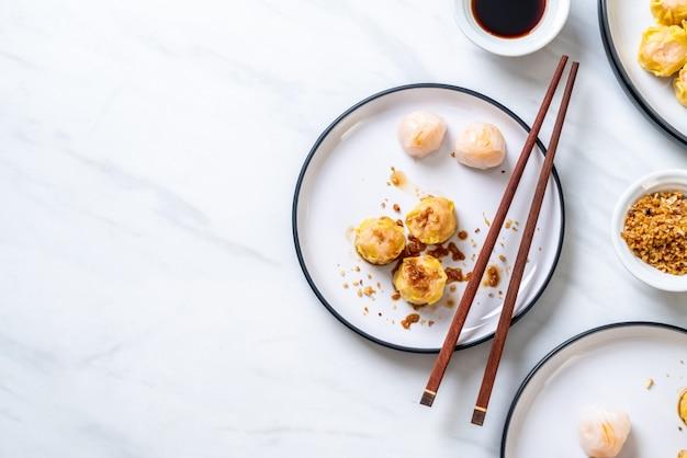 Gedämpfter mehlkloß der chinesischen garnele