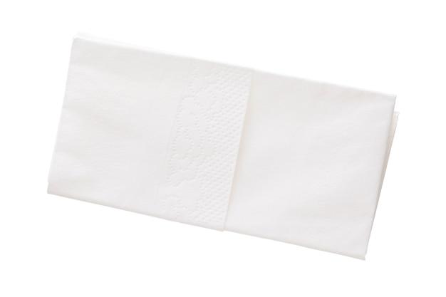 Gefaltetes baumwolltaschentuch isoliert auf weißem hintergrund