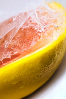 Gefrorene grapefruit