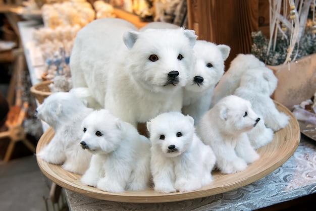 Gefüllte weiße bären