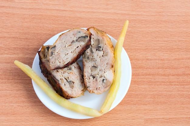 Gegrillte grillhühnerviertel