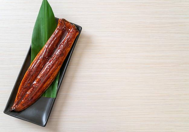 Gegrillter aal oder gegrillter unagi mit sauce (kabayaki). .japanisches essen.