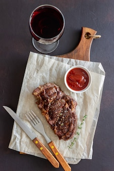 Gegrilltes rindersteak. amerikanische küche. rezept. fleisch.