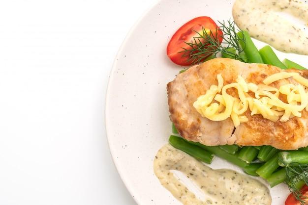 Gegrilltes snapper fish steak mit vagetable