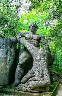 Geheimnisvoller park der monster von bomarzo, italien