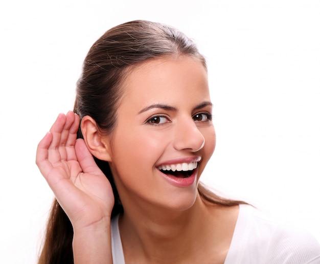 Gehörlose junge frau