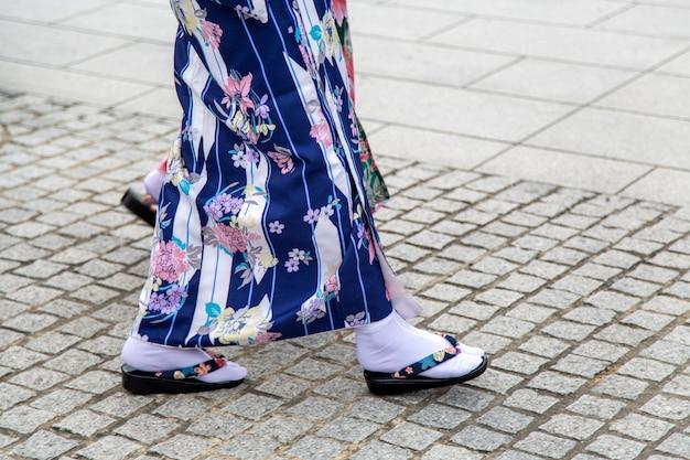 Geisha`s traditionelle sandalen