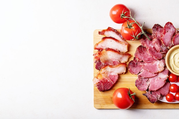 Gekochtes schweinefleisch